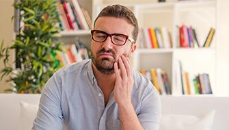 Empfindliches Zahnfleisch: Ursachen, Behandlung & Vorbeugung